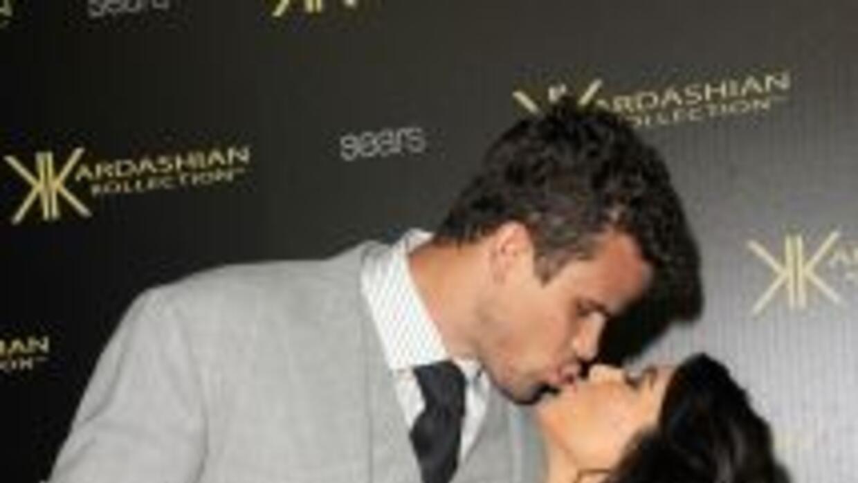 Tras un fugaz noviazgo Kim Kardashian y Kris Humphries unen sus vidas.