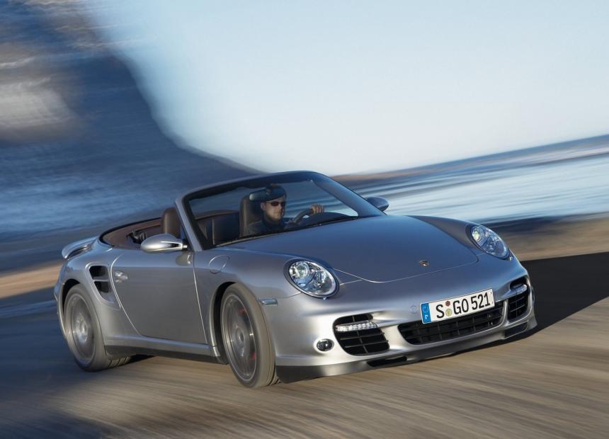 El Porsche 911 Turbo Cabriolet 2008 era una de las máquinas de performan...