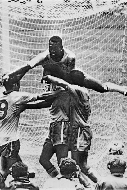 En el caso del virtuoso jugador de Cruzeiro y Vasco Da Gama, una lesión...