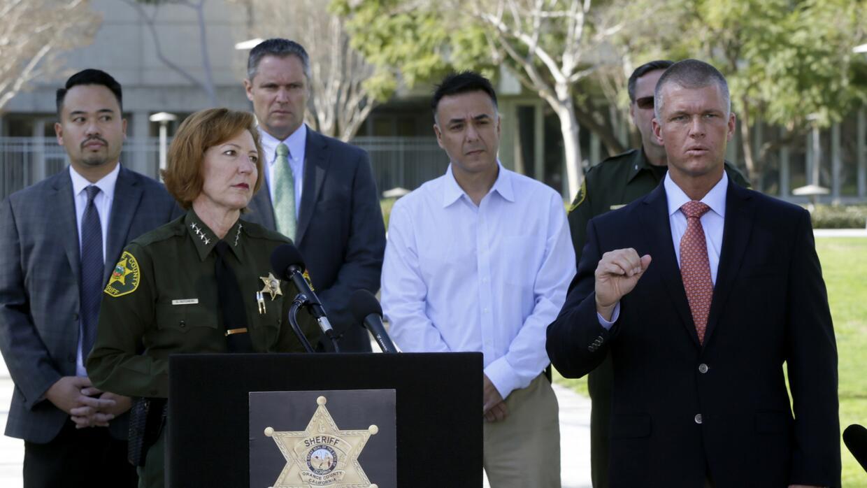 El departamento del Sheriff dio a conocer la detención de Tieu y Hossein.