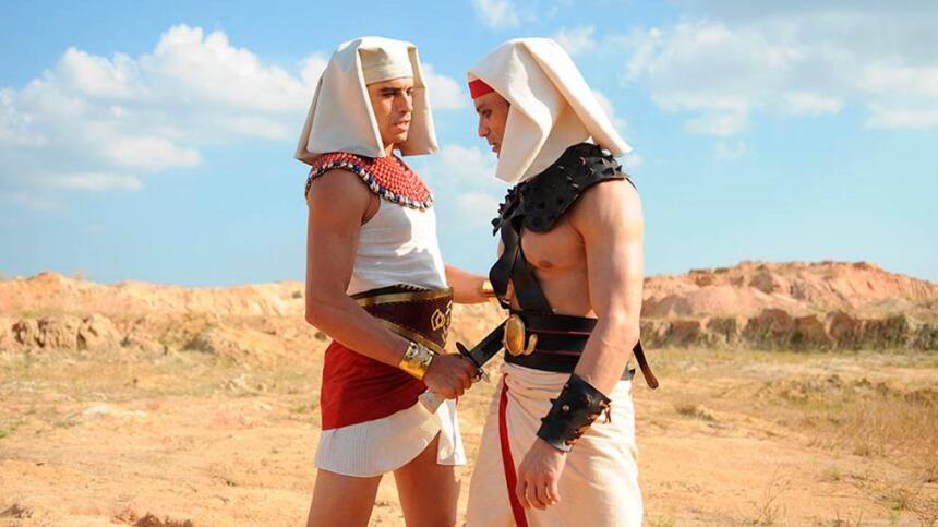 Los personajes de Moisés y los Diez Mandamientos causan revuelo y tienen...