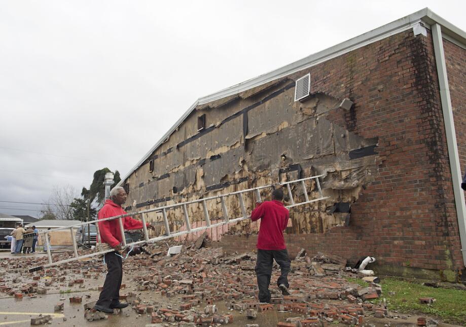 Tormentas y tornados azotan Louisiana y Mississippi tornado11.jpg