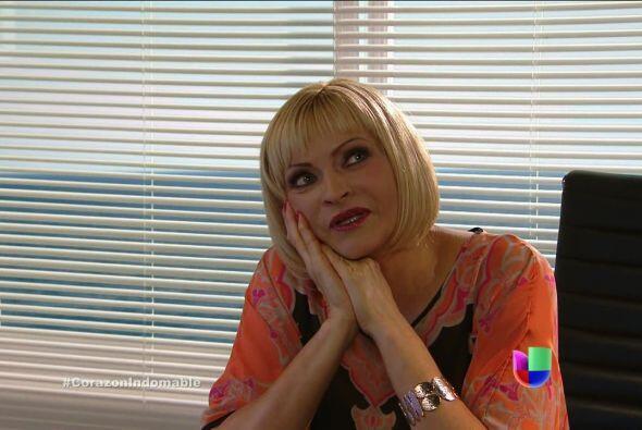 Carola sueña con el momento en que María Alejandra se vaya para siempre...