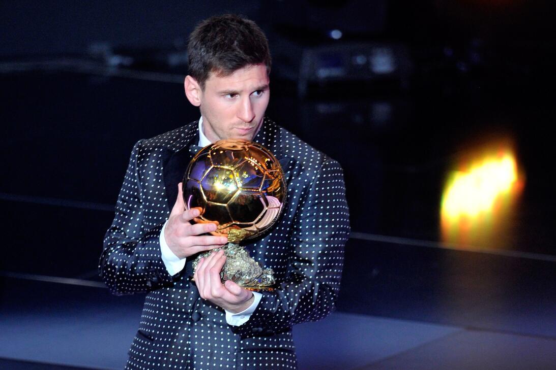 Futbolistas latinoamericanos ganadores en la historia del Balón de Oro M...