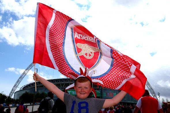Pero enfrente tenían a los seguidores del Arsenal, el otro conjun...
