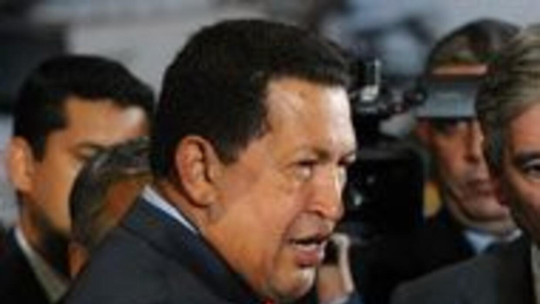 El presidente venezolano, Hugo Chávez anunció la nacionalización de univ...