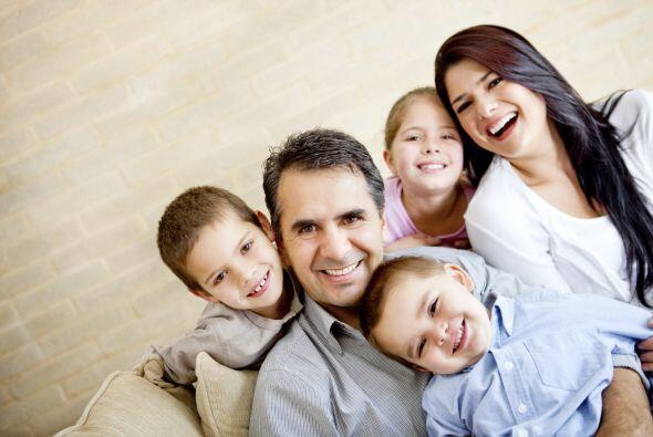 También comparten con sus hijos durante la cena (72 por ciento) y en las...
