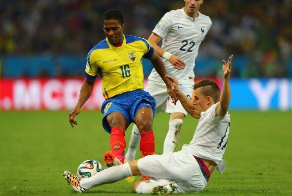 De esos 25, 13 juegan fuera de su país. Entre los que destacan Antonio V...