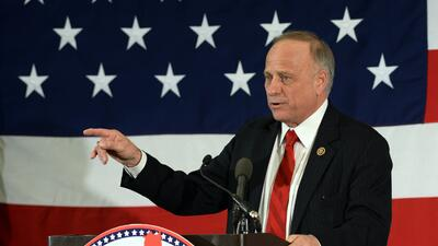 El republicano Steve King representa al cuatro distrito congresional de...