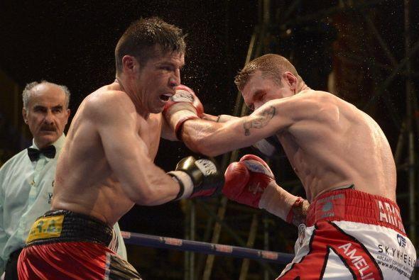 El británico aflojo en los dos últimos rounds,   no tiró demasiados golp...