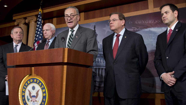 """Senadores del """"Grupo de los Ocho"""" en enero de 2013"""