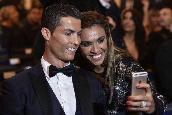 Marta aprovechó la ocasión para tomarse una foto con Cristiano Ronaldo,...