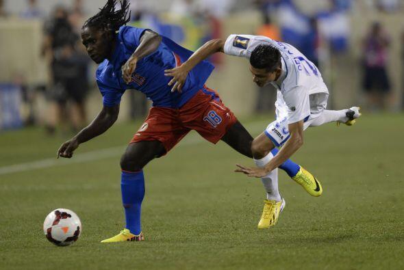 Así, Honduras se colocó como el líder solitario del Grupo B con 3 puntos...