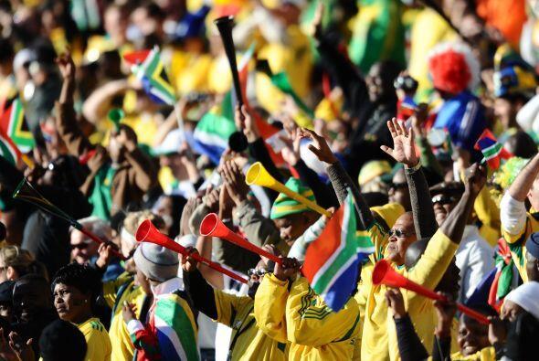 En el Mundial de Sudáfrica conocimos y disfrutamos a las 'vuvuzelas' y a...