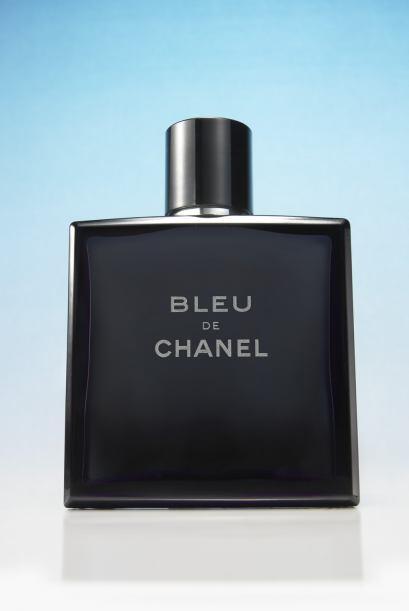 Después de ejercitarse, papá necesita de una buena loción como Bleu de C...