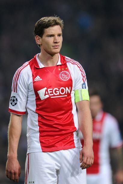 La zaga inicia con un futbolista belga que ya es casi inamovible en nues...