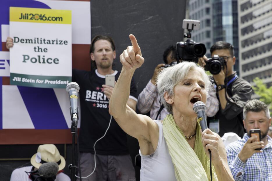 La virtual candidata del Partido Verde, Jill Stein, da un discurso en Fi...