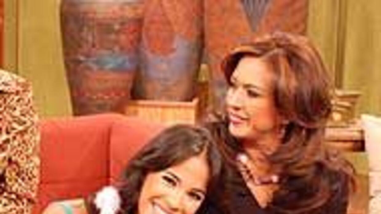 Karla comparte cuando puede su vida profesional con sus dos hijas.