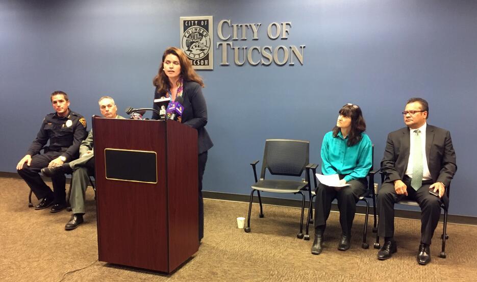 Ciudad de Tucson aprueba resolución para proteger a los inmigrantes Ciud...