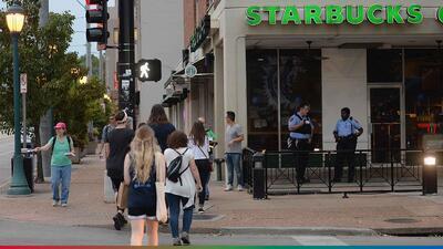 Ya no te van a correr de Starbucks si no compras nada, puedes ir solo a pasar el rato