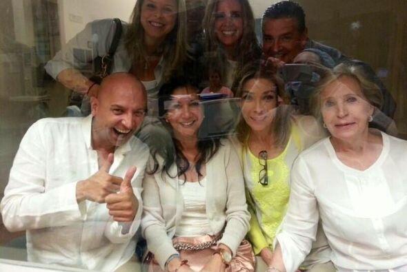 Familiares y amigos de Jacqueline Bracamontes y Martín Fuentes se...