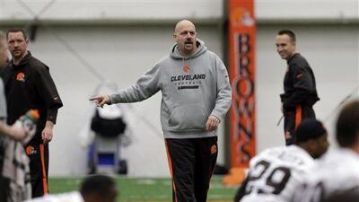 El entrenador de Cleveland en un dilema para su primera selección en el...