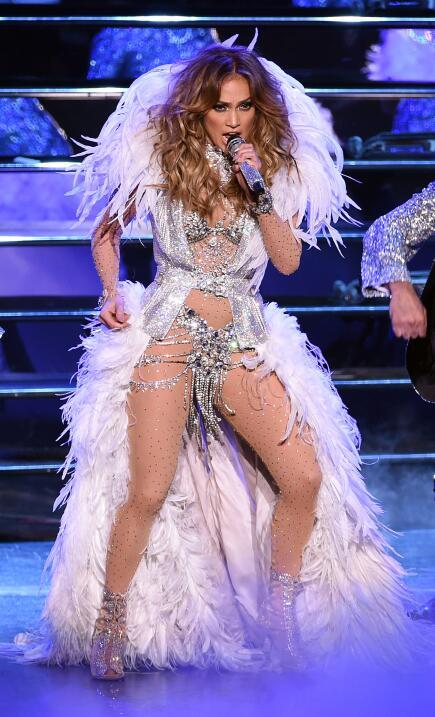 El vestuario de Jennifer Lopez es más imitado que el de la duquesa de Ca...