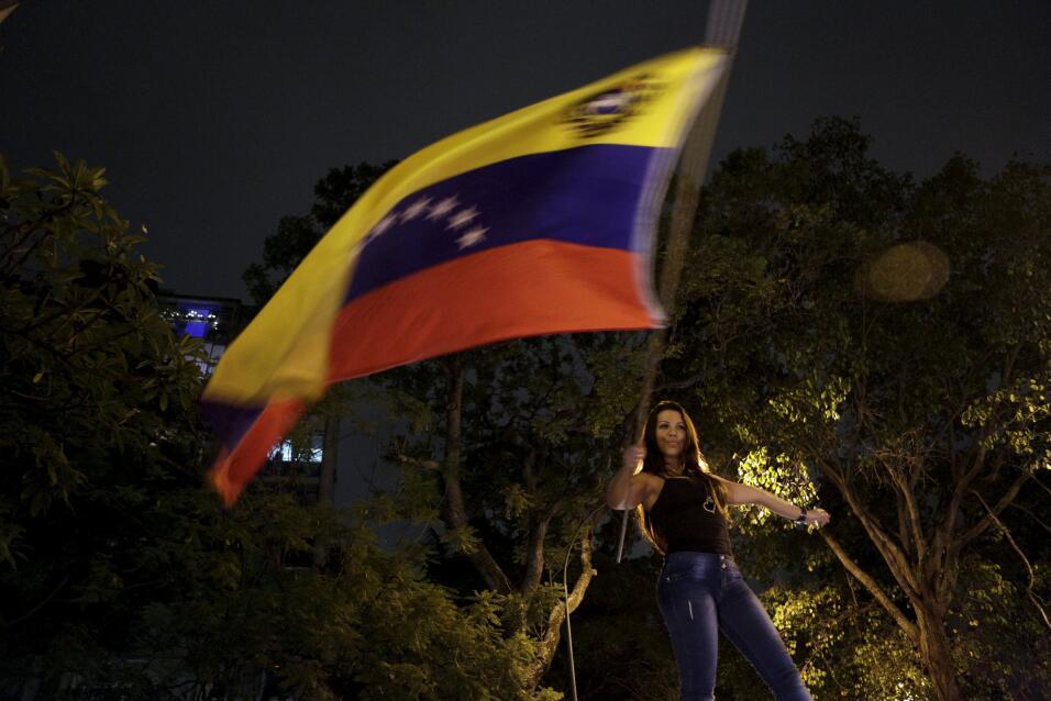 La oposición logra una contundente victoria en Venezuela 2015-12-07T0720...