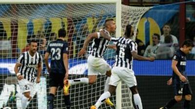 Arturo Vidal celebra el gol del empate ante Inter.