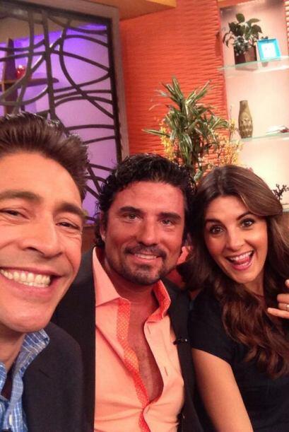"""""""Foto para el recuerdo con @mayrinvillanew #Diego Olivera que pronto ext..."""
