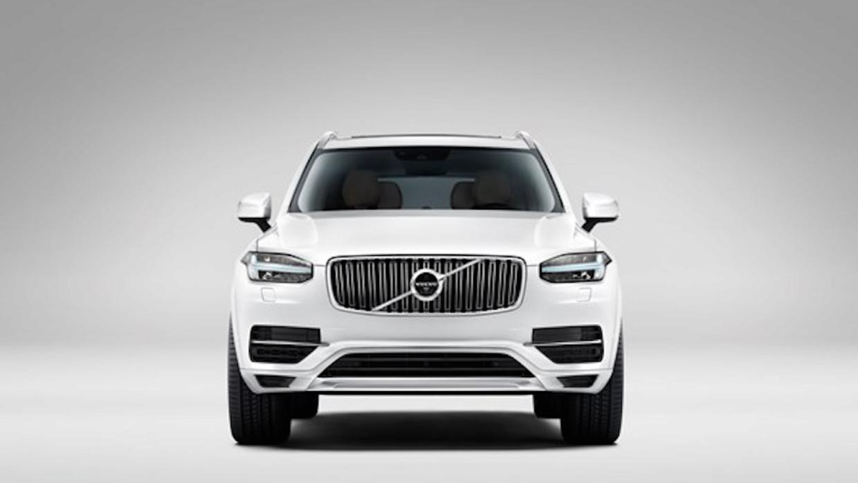 Vista frontal de la nueva Volvo XC90 2016