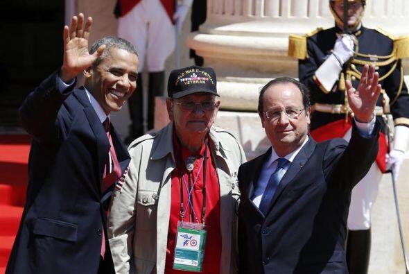 El presidente estadounidense, Barack Obama, el presidente francés Franço...