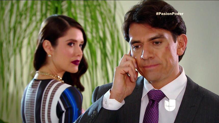 ¡Julia y Arturo ya no pueden ocultar su amor! A906362F16034835BF166020C6...