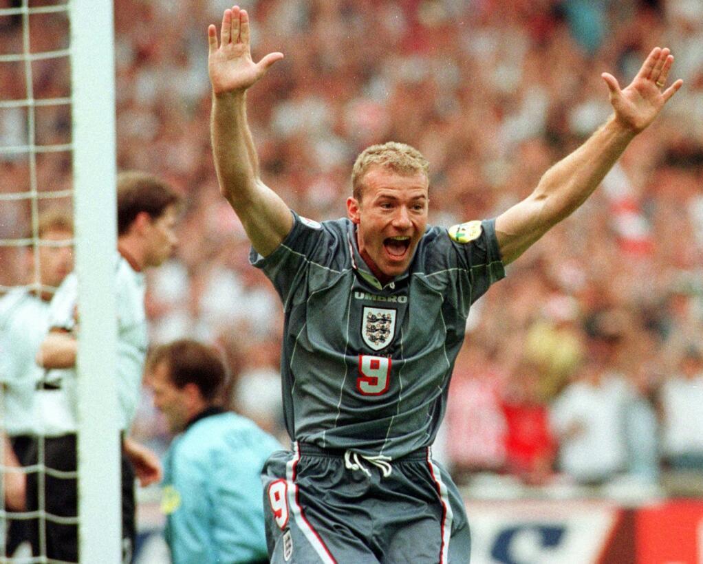 25. Alan Shearer (Inglaterra)