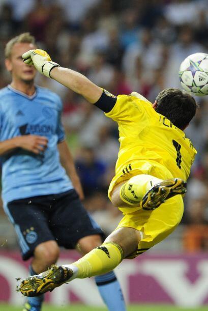 Iker Casillas se lució y dejó bien claro que sigue siendo el mejor porte...