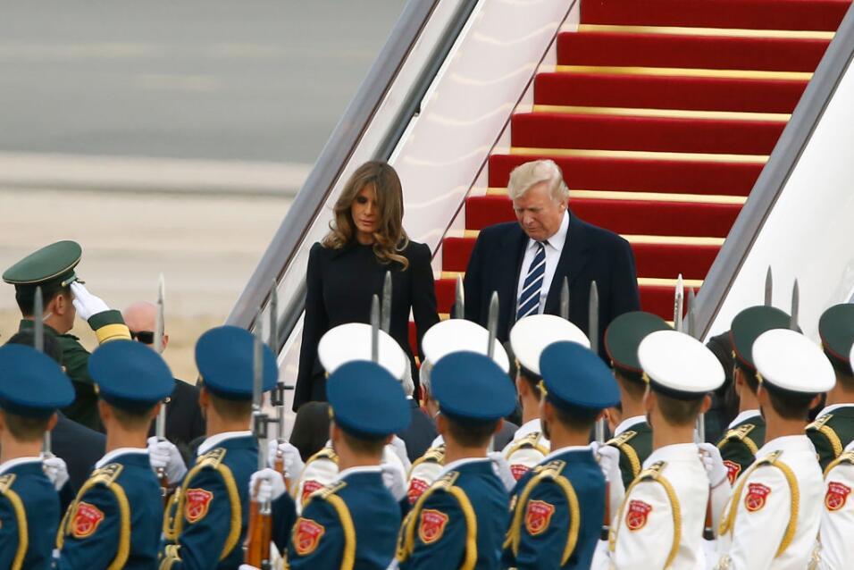 El avión de Trump aterrizó en el aeropuerto de Pekí...