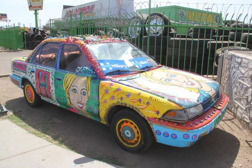 Euforia por la visita de Hillary Clinton a Phoenix