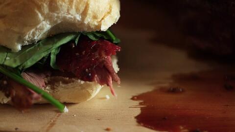 Cómo preparar un clásico sándwich de roast beef
