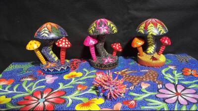 Artista mexicano llega a Chicago para impartir clases de pintura de alebrijes