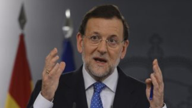 El jefe del Ejecutivo español negó que haya recibido indicaciones por pa...