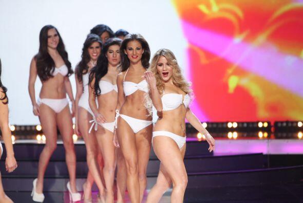 Un desfile lleno de mucha sensualidad, curvas y belleza latina.