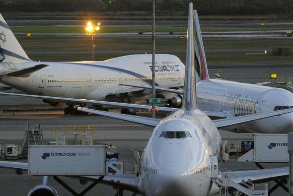16 horas y 25 minutos dura el vuelo desde Abu Dhabi , Emiratos Árabes a...
