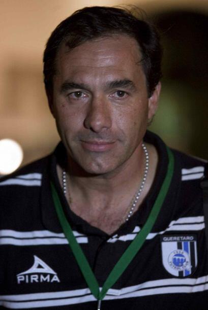 Comenzó su carrera de estratega en 2006 con el Danubio, luego llegó al e...