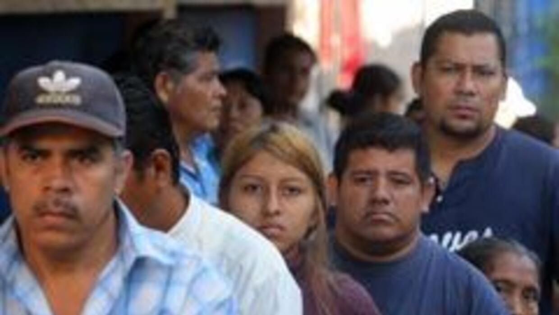 Los hispanos se afianzan como fuerza clave para la recuperación económic...