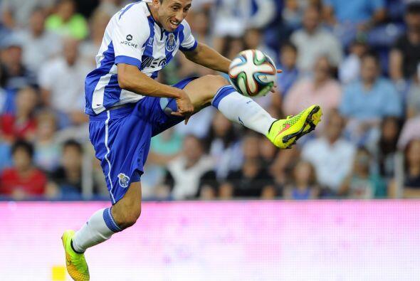 Futbolistas como Rafael Márquez, Héctor Herrera y Carlos Vela han cumpli...