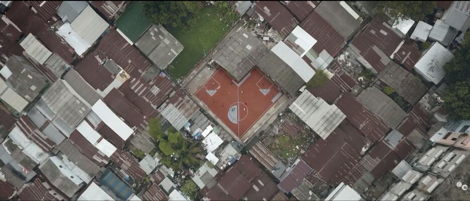 Las extrañas canchas de fútbol en Bangkok ap_29.jpg