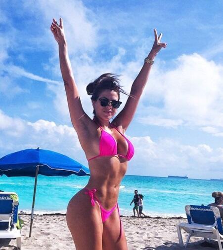 Rossana es una bella brasileña que se desempeña como nutrióloga del equi...