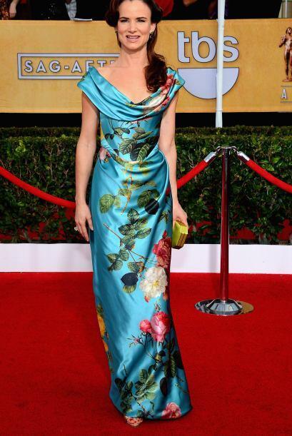 Si el vestido era horrible, el estampado estaba aún peor. Juliette Lewis...