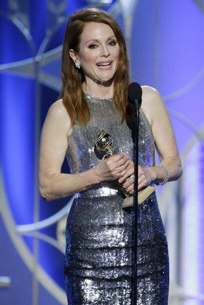 Julianne Moore aceptando su premio.