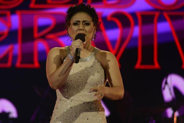 """Michelle Lardiere interpretó """"Manías"""", el éxito de Thalía."""